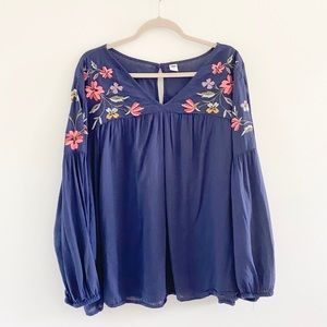 Old Navy Embroidered Floral Peasant Swing Top